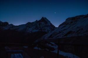 Ciel étoilé au sanctuaire des annapurnas