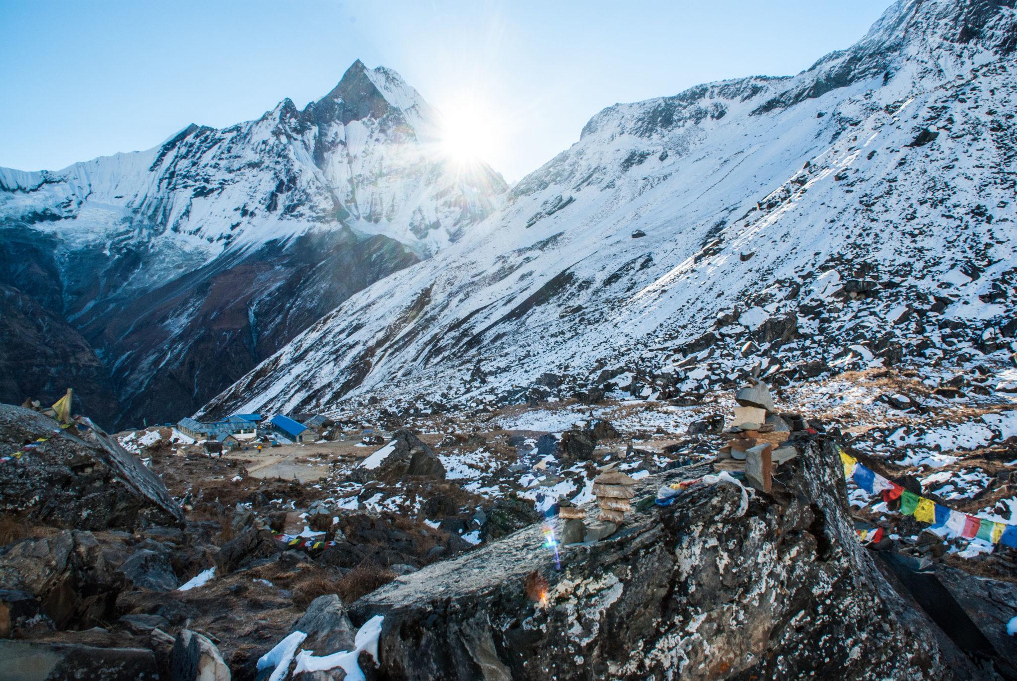 Aube au sanctuaire de l'annapurna