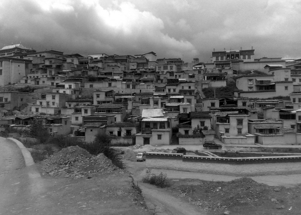 La cité de Shangri-la, hypothétique source d'inspiration du roman Lost Horizon