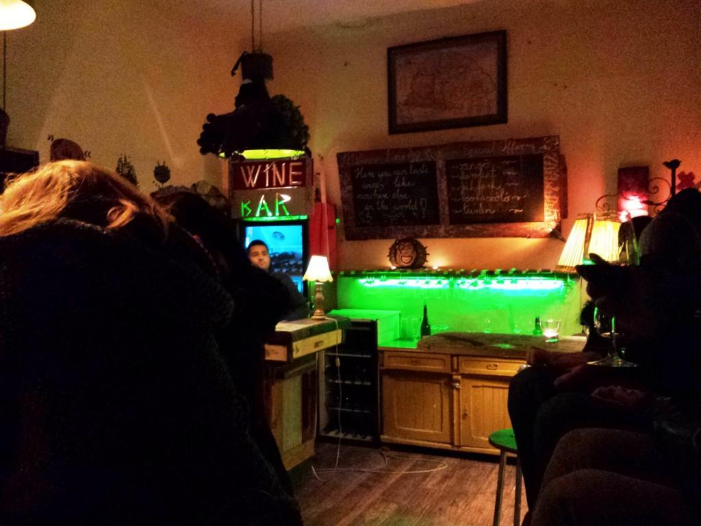 Bar à vin dans un ruin pub