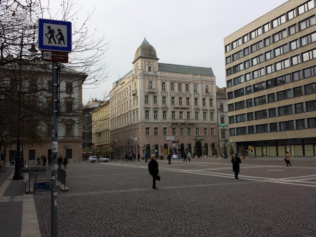 Une place à Budapest