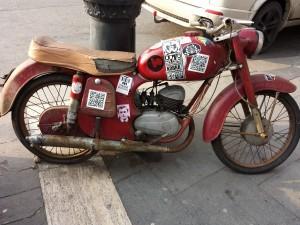 Une vieille moto