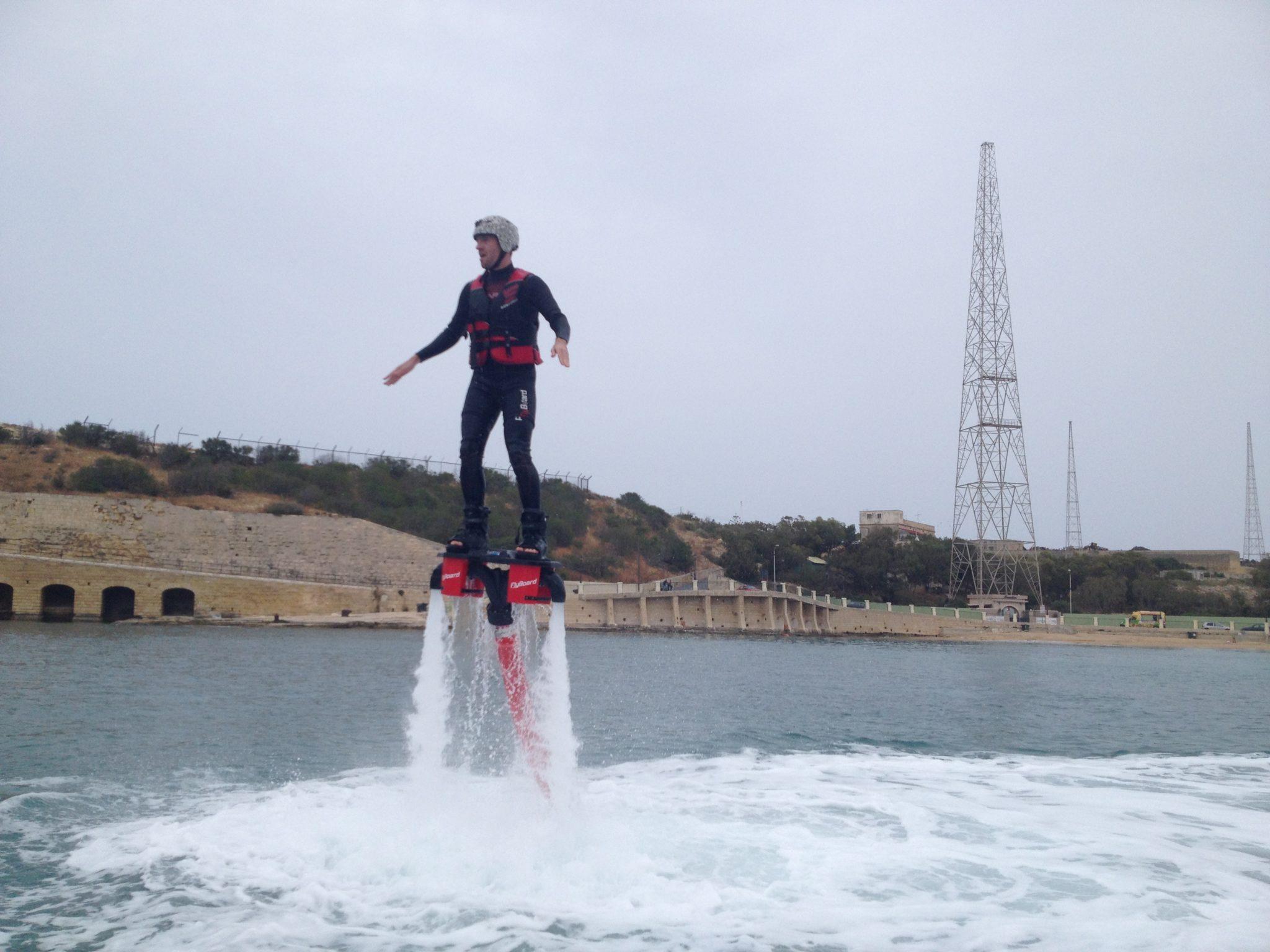 jet pack sur l'eau