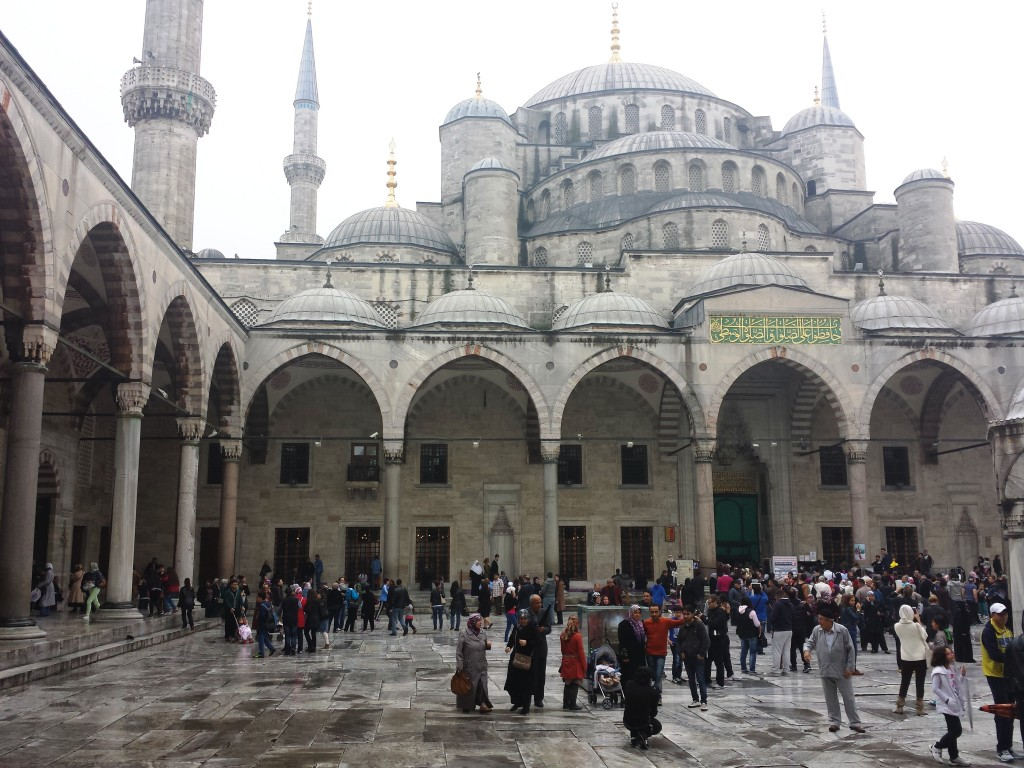 cour-mosquee-istanbul