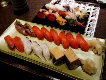 Les suhis au Japon, c'est clairement pas comparable avec les sushis de Paris...