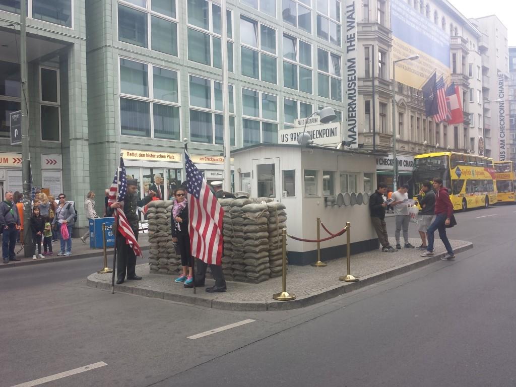 Check point charlie à Berlin