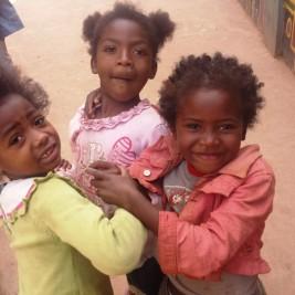 enfants voyage à Madagascar