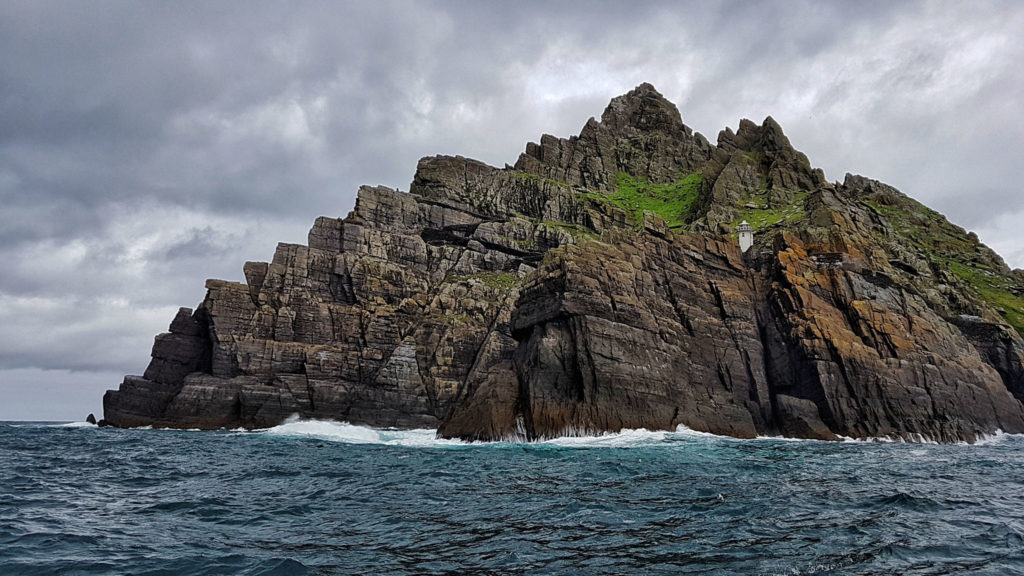 Skellig islands visite de skellig michael en irlande - Paysage star wars ...